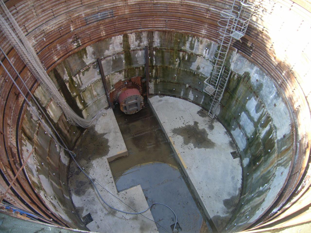 津構内15k210m付近ケーブル管路新設工事